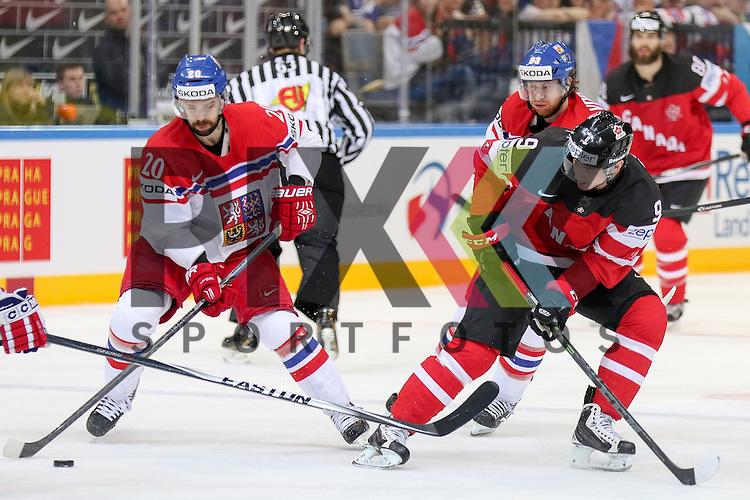 Tschechiens Klepis, Jakub (Nr.20)(Ocelari Trinec) im Zweikampf mit Canadas Duchene, Matt (Nr.9)  im Spiel IIHF WC15 Canada vs. Czech Republic.<br /> <br /> Foto &copy; P-I-X.org *** Foto ist honorarpflichtig! *** Auf Anfrage in hoeherer Qualitaet/Aufloesung. Belegexemplar erbeten. Veroeffentlichung ausschliesslich fuer journalistisch-publizistische Zwecke. For editorial use only.