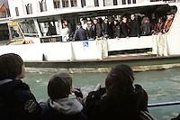 Turisti sui vaporetti lungo il Canal Grande, a Venezia. Tourists on vaporetti cruising the Canal Grande in Venice.<br /> UPDATE IMAGES PRESS/Riccardo De Luca