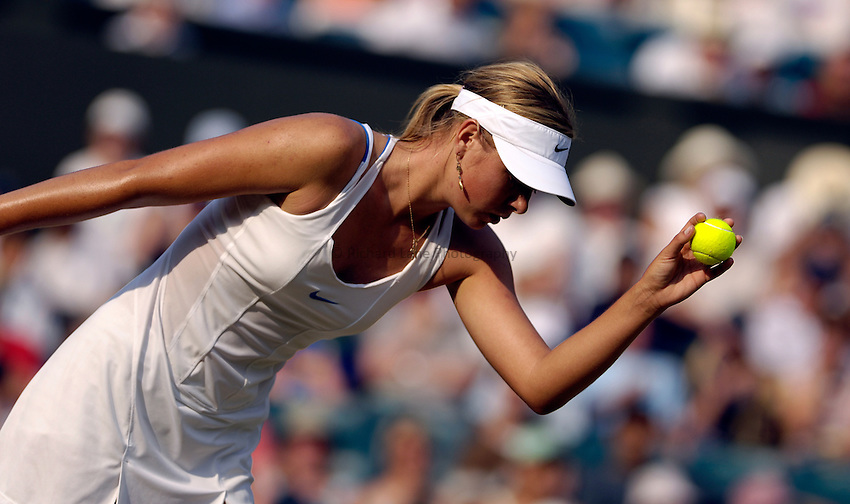 Photo: Simon de Trey-White..Wimbledon Championships. 01/07/06..Maria Sharapova of Russia.