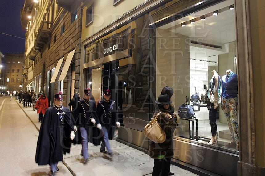 Shopping in Via de' Tornabuoni, Firenze.<br /> Shopping in Via de' Tornabuoni, Florence.<br /> UPDATE IMAGES PRESS/Riccardo De Luca