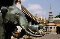 Thaïlande/Bangkok: Temple de Wat Pho ou temple du Bouddha Couché - Détail des éléphants