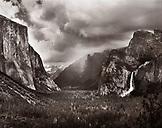 USA, California, Yosemite National Park, landscape of Yosemite Valley, Yosemite Falls and El Capitan (B&W)