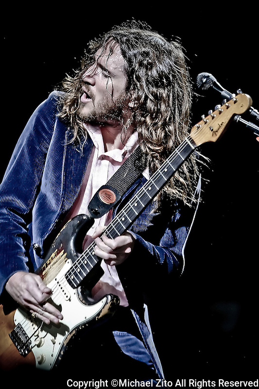 JOHN FRUSCIANTE and he Red Hot Chili Peppers in concert