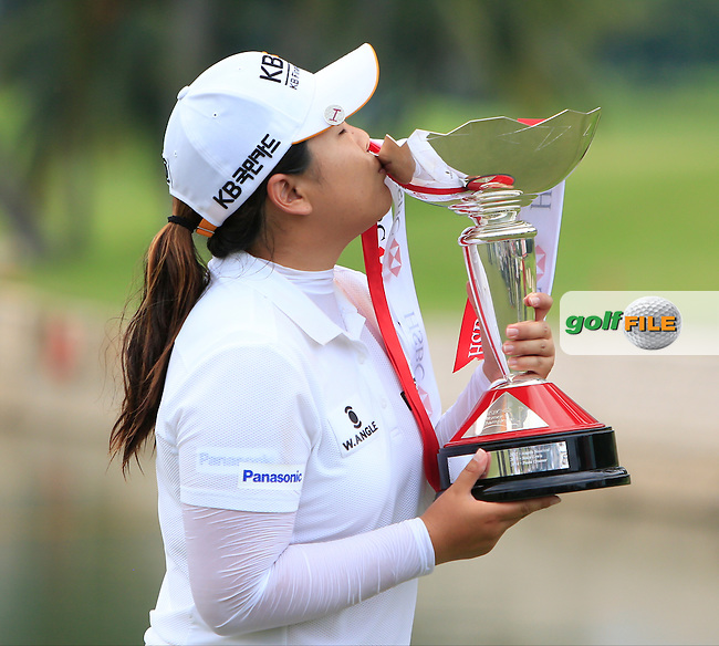 Inbee Park (KOR) is the 2015 winner of the HSBC Women's Champions at the Sentosa Golf Club, The Serapong Course in Singapore on Sunday 8th March 2015.<br /> Picture:  Thos Caffrey / www.golffile.ie