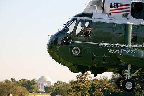 Marine One, with United States President Barack Obama aboard, lands on the South Lawn of the White House as the President returns from Milwaukee, Wisconsin where he delivered remarks on jobs and the economy on Monday, September 6, 2010.  .Credit: Gary Fabiano / Pool via CNP