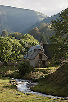 Europe/France/Midi-Pyrénées/65/Hautes-Pyrénées/Payolle: Granges d'Altitude dans les paturages de la vallée de Campan