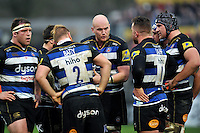 Matt Garvey of Bath Rugby rallies his fellow forwards prior to a scrum. Aviva Premiership match, between Bath Rugby and Worcester Warriors on December 27, 2015 at the Recreation Ground in Bath, England. Photo by: Patrick Khachfe / Onside Images