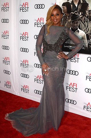 HOLLYWOOD, CA - NOVEMBER 09: Mary J. Blige at AFI Fest 2017 Opening Night Gala Screening Of Netflix's Mudbound at TCL Chinese Theatre on November 9, 2017 in Hollywood, California. Credit: David Edwards/MediaPunch