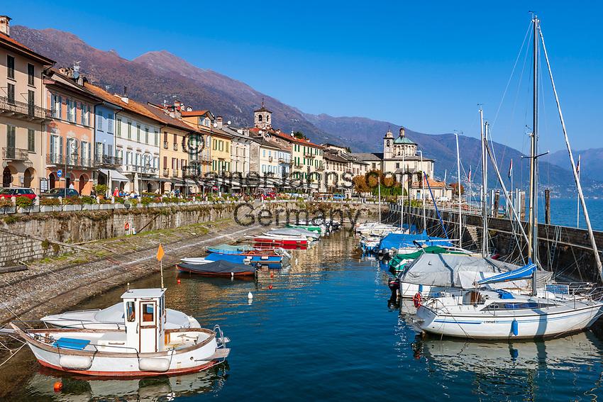 Italy, Piedmont, Cannobio: picturesque small town with historical old town, small marina | Italien, Piemont, Cannobio: malerisches Staedtchen mit historischem Altstadtkern, kleiner Bootshafen