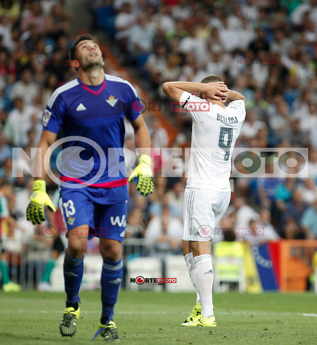 Real Madrid´s Karim Benzema regrets a goal chance and Real Betis´s goalkeeper Adan during La Liga match at Santiago Bernabeu stadium in Madrid, Spain. August 29, 2015. (ALTERPHOTOS/Victor Blanco)