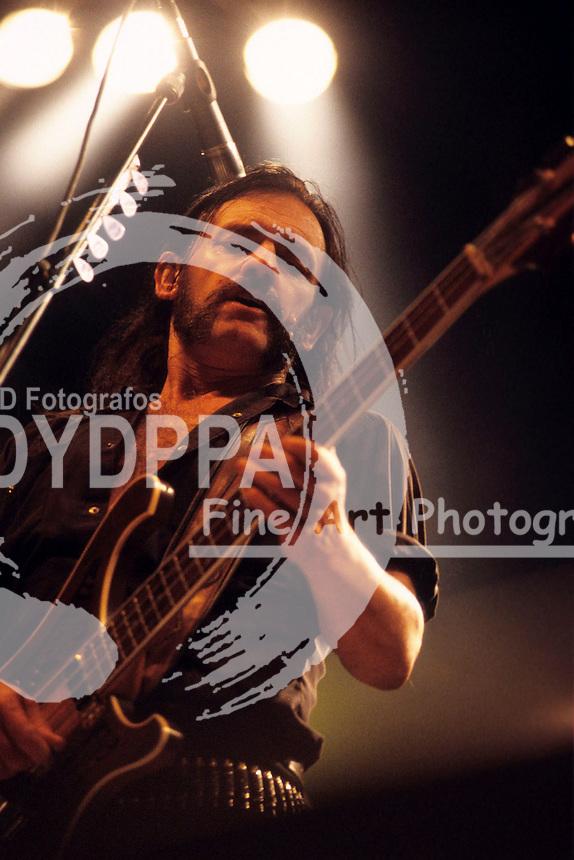 Ian 'Lemmy' Kilmister von Motoerhead live auf dem With Full Force Festival. Roitzschjora, 23.06.2001