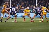 25th January 2020; Sixways Stadium, Worcester, Worcestershire, England; Premiership Rugby, Worcester Warriors versus Wasps; Matteo Minozzi of Wasps tries to avoid Marco Mama and Ollie Lawrence of Worcester Warriors