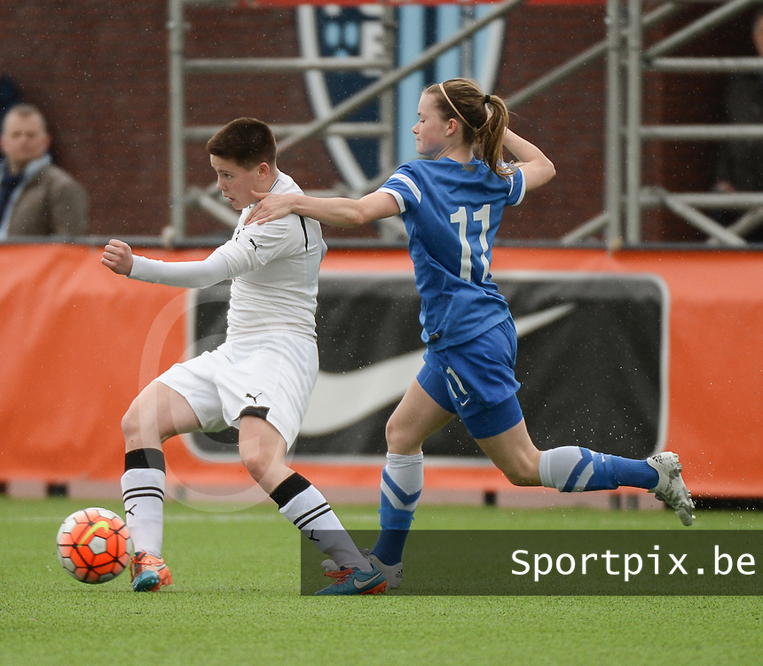 20160405  - Eibergen , NETHERLANDS : Finland's Tiia Savolainen (R) and Belarussian Ekatarina Goncharova (L) pictured during the soccer match between the women under 19 teams of Finland and Belarus , on the first matchday in group 3 of the UEFA Women Under19 Elite rounds in Eibergen , Netherlands. Tuesday 5 th April 2016 . PHOTO DIRK VUYLSTEKE / Sportpix.be