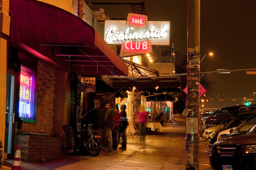 This legendary club has been bringin' live bands to South Congress since 1957! Roots, country, rock, blues, jazz, Americana - Stock Image.