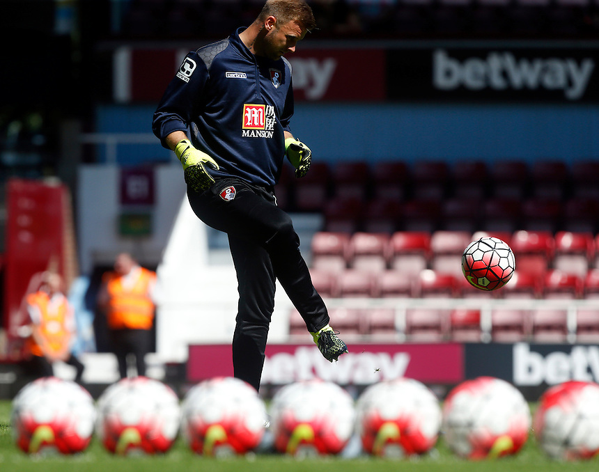 Bournemouth's Artur Boruc during the pre-match warm-up <br /> <br /> Photographer Kieran Galvin/CameraSport<br /> <br /> Football - Barclays Premiership - West Ham United v Bournemouth - Saturday 22nd August 2015 - Boleyn Ground - London<br /> <br /> <br /> &copy; CameraSport - 43 Linden Ave. Countesthorpe. Leicester. England. LE8 5PG - Tel: +44 (0) 116 277 4147 - admin@camerasport.com - www.camerasport.com