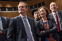Diskussionsrunde der Spitzenkandidaten von SPD, CDU, Gruenen, Linkspartei und Piraten zur Abgeordnetenhauswahl 2016.<br /> Auf Einladung der IHK Berlin, Handwerkskammer Berlin und dem Verein Berliner Kaufleute und Industrieller mussten am Montag den 5. September 2016 die Spitzenkandidaten von SPD, CDU, Gruenen, Linkspartei und Piraten sich provozierenden Fragen von zwei Moderatoren beantworten. Als Publikum bestand aus Angehoerigen der Berliner Wirtschaft und Firmenbesitzern.<br /> Im Bild vlnr.: Michael Mueller, SPD und Regierender Buergermeister; Bruno Kramm, Landesvorsitzender der Piratenpartei und Ramona Pop, Fraktionsvorsitzende Die Gruenen. <br /> 5.9.2016, Berlin<br /> Copyright: Christian-Ditsch.de<br /> [Inhaltsveraendernde Manipulation des Fotos nur nach ausdruecklicher Genehmigung des Fotografen. Vereinbarungen ueber Abtretung von Persoenlichkeitsrechten/Model Release der abgebildeten Person/Personen liegen nicht vor. NO MODEL RELEASE! Nur fuer Redaktionelle Zwecke. Don't publish without copyright Christian-Ditsch.de, Veroeffentlichung nur mit Fotografennennung, sowie gegen Honorar, MwSt. und Beleg. Konto: I N G - D i B a, IBAN DE58500105175400192269, BIC INGDDEFFXXX, Kontakt: post@christian-ditsch.de<br /> Bei der Bearbeitung der Dateiinformationen darf die Urheberkennzeichnung in den EXIF- und  IPTC-Daten nicht entfernt werden, diese sind in digitalen Medien nach §95c UrhG rechtlich geschuetzt. Der Urhebervermerk wird gemaess §13 UrhG verlangt.]