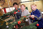 Brothers Roman, Marek and Rene Tomi Chech Republic putting up the Christmas tree in Mosney..Picture: Paul Mohan/Newsfile