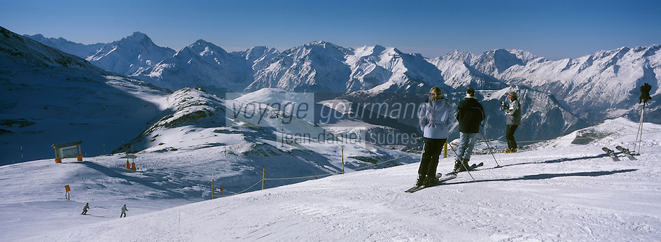 Europe/France/Rhône-Alpes/38/Isère/l'Alpe-d'Huez: domaine skiable a l'arrivée du télécabine des Grandes Rousses