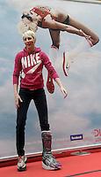 Deutsche Hallenmeisterschaft 2011 Leichtathletik - Arena Leipzig - im Bild: kann aufgrund einer Fußfraktur nicht am Start sein - Hochsprung Ass Ariane Friedrich.  Foto: Norman Rembarz..Jegliche kommerzielle Nutzung ist honorar- und mehrwertsteuerpflichtig! Persönlichkeitsrechte sind zu wahren. Es wird keine Haftung übernommen bei Verletzung von Rechten Dritter. Autoren-Nennung gem. §13 UrhGes. wird verlangt. Weitergabe an Dritte nur nach  vorheriger Absprache..