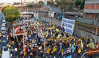 SAO PAULO, SP, 30 SETEMBRO 2012 - ELEICOES SP - JOSE SERRA - Miitantes comparecem ao comicio do candidato a prefeitura de Sao Paulo Jose Serra, na Vila Matilde, neste domingo, 30. (FOTO: VANESSA CARVALHO / BRAZIL PHOTO PRESS).