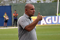 MONTERÍA - COLOMBIA ,28-04-2019: Oscar Serrano director técnico  del Atlético Bucaramanga ante Jaguares de Córdoba durante partido por la fecha 18 de la Liga Águila I 2019 jugado en el estadio Municipal Jaraguay de Montería . / Oscar Serrano coach of Atletico Bucaramanga agaisnt of Jaguares of Cordoba during the match for the date 18 of the Liga Aguila I 2019 played at Municipal Jaraguay Satdium in Monteria City . Photo: VizzorImage / Andrés Felipe López  / Contribuidor.