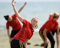 20180305 - LARNACA , CYPRUS :  Belgian Celien Guns  pictured during a Muscular warm up training session on the beach before a women's soccer game between The Belgian Red Flames and Austria , on monday 5 March 2018 on the CTO Beach in Larnaca , Cyprus . The game will be the third game in group B for Belgium during the Cyprus Womens Cup , a prestigious women soccer tournament as a preparation on the World Cup 2019 qualification duels. PHOTO SPORTPIX.BE | DAVID CATRY