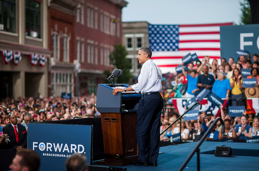 US President Barack Obama attends a campaign rally in Roanoke,  VA