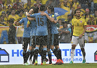 BARRANQUILLA - COLOMBIA - 11-10-2016: Jugadores de Uruguay celebran después de anotar un gol a Colombia durante partido de la fecha 10 para la clasificación a la Copa Mundial de la FIFA Rusia 2018 jugado en el estadio Metropolitano Roberto Melendez en Barranquilla./  Players of Uruguay celebrate after scoring a goal to Colombia during match of the date 10 for the qualifier to FIFA World Cup Russia 2018 played at Metropolitan stadium Roberto Melendez in Barranquilla. Photo: VizzorImage/ Gabriel Aponte / Staff