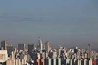 SAO PAULO, SP, 29-04-2014, CLIMA TEMPO. Terça-feira(29) de céu aberto em São Paulo, foto feita de predio na região da Mooca.  Luiz Guarnieri/ Brazil Photo Press.