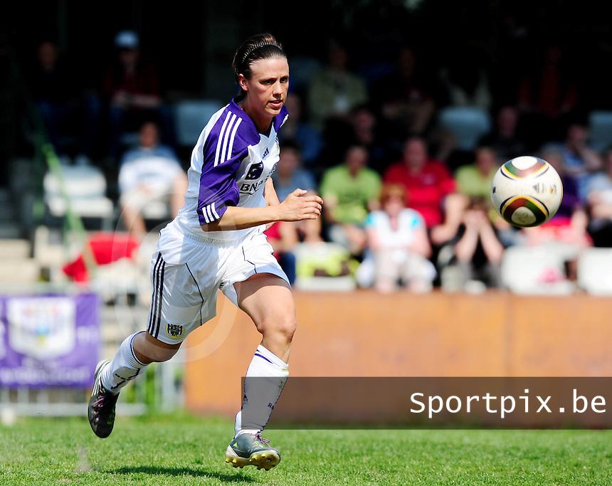 RSC Anderlecht Dames - Standard Femina : Standard kampioen 2010 - 2011 : Marjorie De Rammelaere.foto DAVID CATRY / Vrouwenteam / Loft6