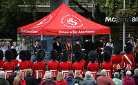 Pictured: The Welsh Guards parade through Castle Square in Swansea.  Friday 15 September 2017<br />Re: Soldiers from the Welsh Guards have exercised their freedom to march through the streets of Swansea in Wales, UK.<br />The Welsh warriors paraded with bayonets-fixed from the city centre to the Brangwyn Hall, where the Lord Mayor of Swansea took a salute.