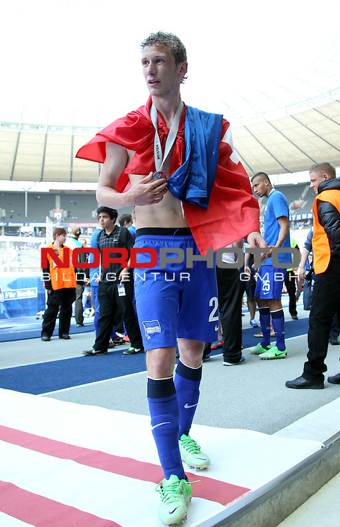 19.05.2013, Olympiastadion, Berlin,<br /> GER, 2.FBL, Hertha BSC Berlin, Energie Cottbus<br /> im Bild Fabian Lustenberger (Hertha BSC Berlin)<br /> <br /> <br /> <br /> Foto &copy; nph / Schulz