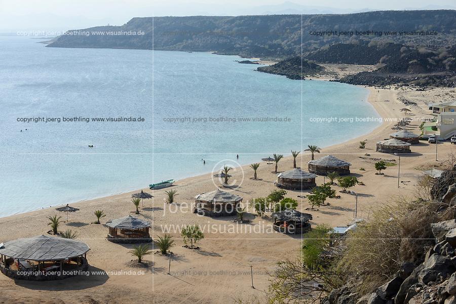 DJIBOUTI Tadjourah, beach ressort Les Sables Blancs at Red Sea / DSCHIBUTI Tadjourah, Strand Ressort Les Sables Blancs am Roten Meer
