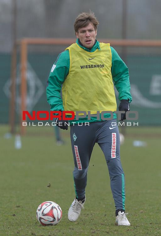 25.03.2015, Trainingsgelaende, Bremen, GER, 1.FBL, Training Werder Bremen, im Bild Clemens Fritz (Bremen #8)<br /> <br /> Foto &copy; nordphoto / Frisch