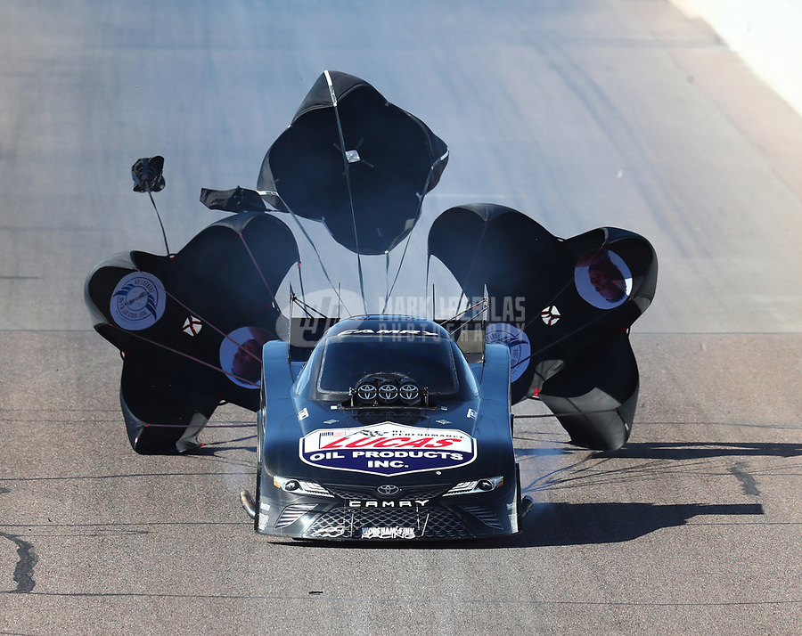 Feb 24, 2018; Chandler, AZ, USA; NHRA funny car driver Del Worsham deploys three parachutes during qualifying for the Arizona Nationals at Wild Horse Pass Motorsports Park. Mandatory Credit: Mark J. Rebilas-USA TODAY Sports