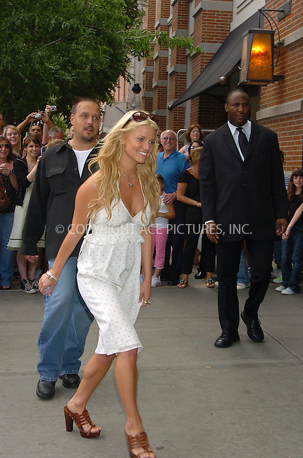 WWW.ACEPIXS.COM . . . . .  ....July 20, 2006, New York City. ....Jessica Simpson poses with fans as she leaves the Soho Grand Hotel. ......Please byline: AJ Sokalner - ACEPIXS.COM..... *** ***..Ace Pictures, Inc:  ..(212) 243-8787 or (646) 769 0430..e-mail: info@acepixs.com..web: http://www.acepixs.com