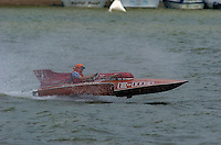 "Steve Lindo, E-103 ""Vagabond"", 1964 Sooy 280 class hydroplane..2004 Madison Regatta, Madison, Indiana, July 4, 2004..F. Peirce Williams .photography.P.O.Box 455 Eaton, OH 45320.p: 317.358.7326  e: fpwp@mac.com."