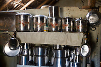 Abaete _ MG, Brasil... Panelas em uma prateleira... Cookware on the shelf...Foto: JOAO MARCOS ROSA /  NITRO