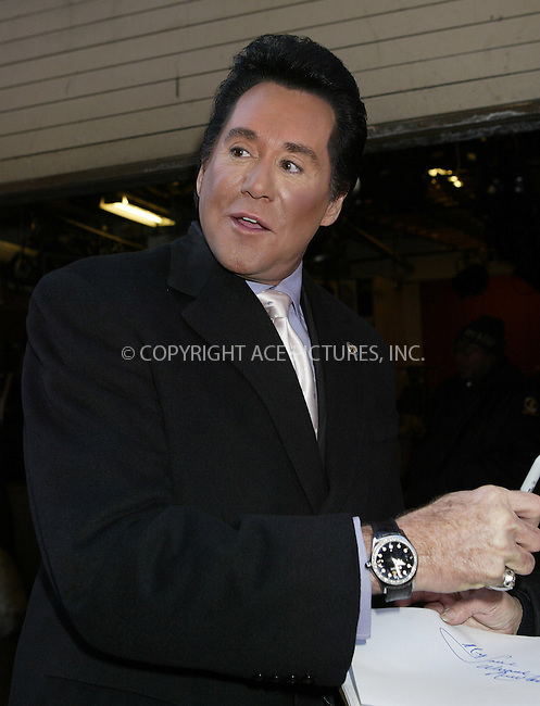WWW.ACEPIXS.COM ** ** ** ....NEW YORK, JANUARY 18, 2005....Wayne Newton exits Live with Regis and Kelly, and takes a moment for photos and autographs for eager fans.....Please byline: Philip Vaughan -- ACE PICTURES... *** ***  ..Ace Pictures, Inc:  ..Alecsey Boldeskul (646) 267-6913 ..Philip Vaughan (646) 769-0430..e-mail: info@acepixs.com..web: http://www.acepixs.com