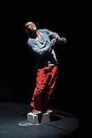 Quer&eacute;taro,Qro, 23 de Abril 2016.-: Aspectos de la coreograf&iacute;a &quot;Clarity, I guess&quot; ,obra del core&oacute;grafo Ulises Rangel con las actuaciones de los bailarines de la compa&ntilde;&iacute;a &quot;La Puerca Danza&quot; Ulises Rangel, B&aacute;rbara Alvarado, Mario Tecla y Victor Garza. <br /> <br /> Esta pieza fue presentada durante el encuentro de danza contempor&aacute;nea &quot;Cuerpo a Cuerpo&quot; , evento que se realiza bajo la direcci&oacute;n del Maestro John Martin Cordero en el Museo de la Ciudad.<br /> <br /> <br /> <br /> Fotograf&iacute;a: David Steck