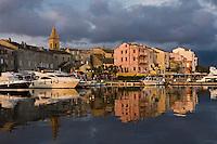 Europe/France/Corse/2B/Haute-Corse/Cap Corse/Saint-Florent: Lumière du soir sur le port