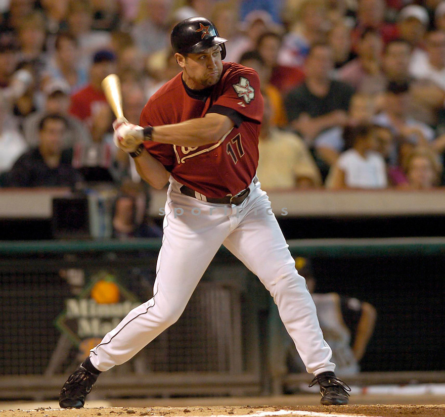 Lance Berkman, of the Houston Astro, in action againt during  their game against the Pittsburgh Pirates on August 14, 2005...Pirates win 8-0...David Durochik / SportPics