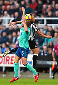 4th November 2017, St James Park, Newcastle upon Tyne, England; EPL Premier League football, Newcastle United Bournemouth; Steve Cook of AFC Bournemouth and Dwight Gayle of Newcastle United compete for a header in the first half