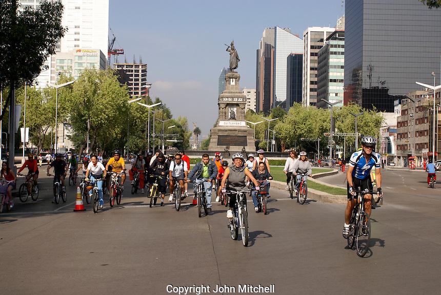 Bicyclists on Paseo de la Reforma, Mexico City