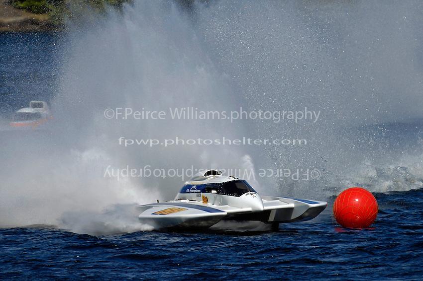 "Tom Pakradooni, GP-88, ""Rolling Thunder"" (Grand Prix Hydroplane(s)"