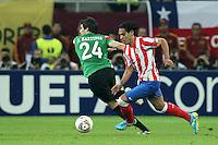 BUKARESZT 09.05.2012.MECZ FINAL LIGA EUROPY SEZON 2011/12: ATLETICO MADRYT - ATHLETIC BILBAO --- UEFA EUROPA LEAGUE FINAL 2012 IN BUCHAREST: CLUB ATLETICO DE MADRID - ATHLETIC CLUB DE BILBAO.JAVI MARTINEZ  FALCAO.FOT. PIOTR KUCZA.---.Newspix.pl