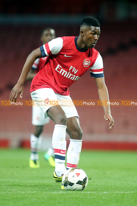 Ainsley Maitland-Niles of Arsenal - Arsenal Youth vs Chelsea Youth - FA Challenge Youth Cup Semi-Final 2nd Leg Football at the Emirates Stadium, London - 17/04/14 - MANDATORY CREDIT: Paul Dennis/TGSPHOTO - Self billing applies where appropriate - 0845 094 6026 - contact@tgsphoto.co.uk - NO UNPAID USE