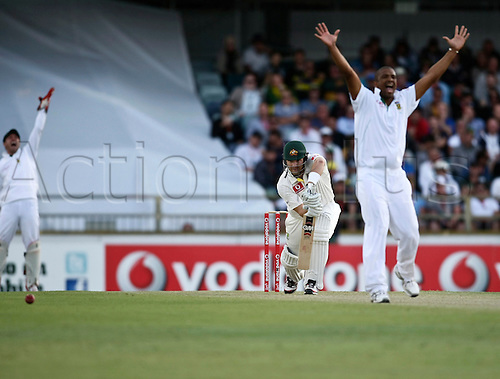 30.11.2012 Perth, Australia.  Vernon Philander traps Shane Watson LBW  during day 1 of the 3rd Test Match between Australia and South Africa from the WACA Ground.