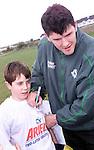 Irish internation Shane Horgan signing jerseys at the coaching clinic at Shamrock Lodge..Picture Paul Mohan Newsfile