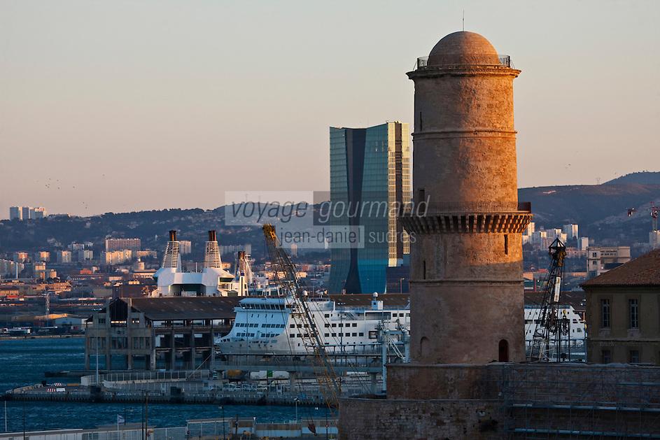 Europe/France/Provence-Alpes-Côte d'Azur/13/Bouches-du-Rhone/Marseille: Le Fort Saint-Jean  et le Port de Commerce